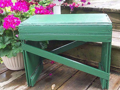 Sun green bench