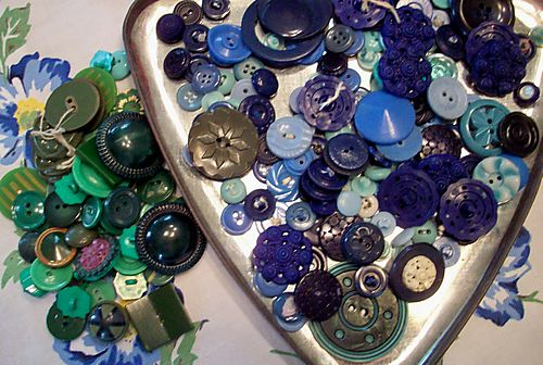 Blue and green buttons