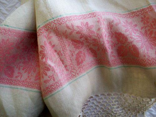 Linens damask