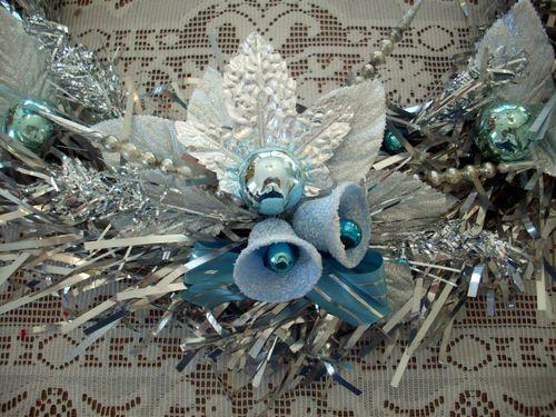 Wreath bells