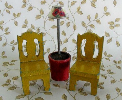 Chair w lamp