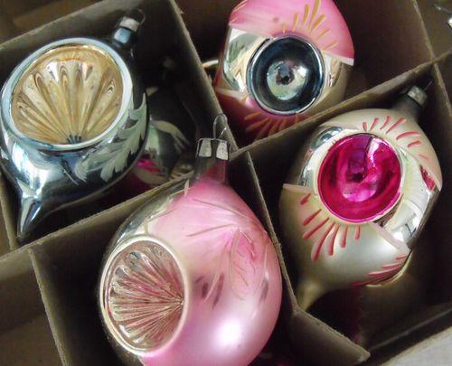 Ch ornaments