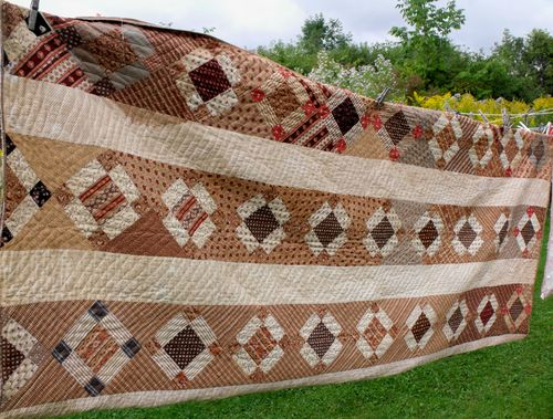 Brown quilt