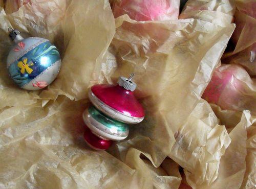 Road ornaments