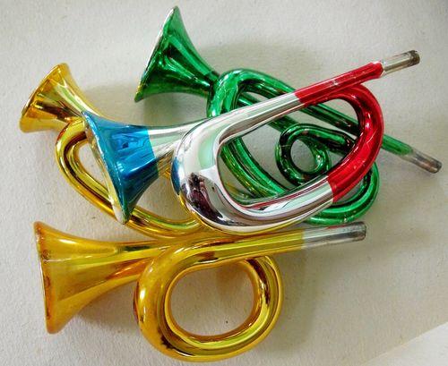 5 horns