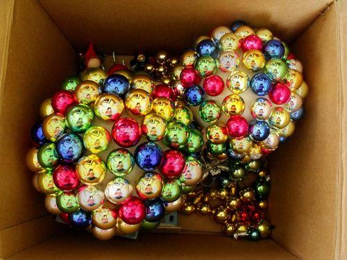 Box with balls