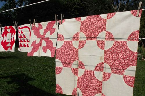 Quilt red prints
