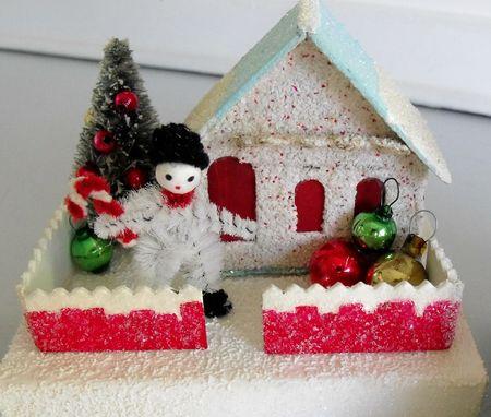 Small snowman house