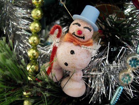 Sentimental pink snowman