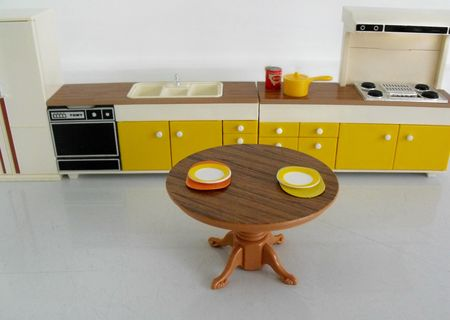 Tomy kitchen