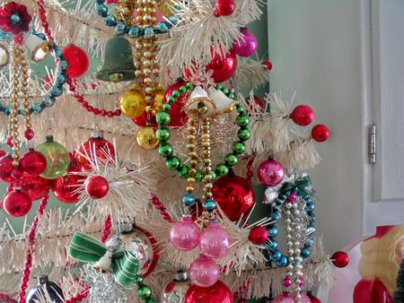 Dining tree ornaments