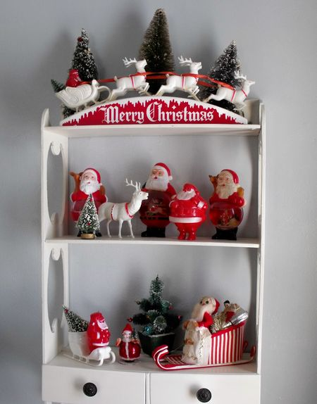 Living santa shelves