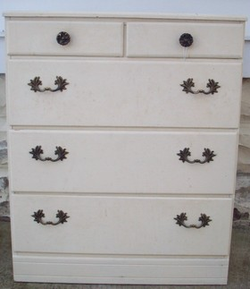 Chest_of_drawers_before_2