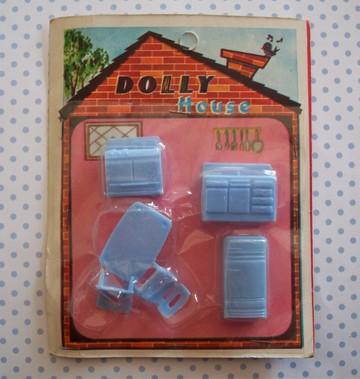 Doll_furniture_3